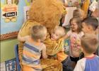 Henryetta Lions read to youth